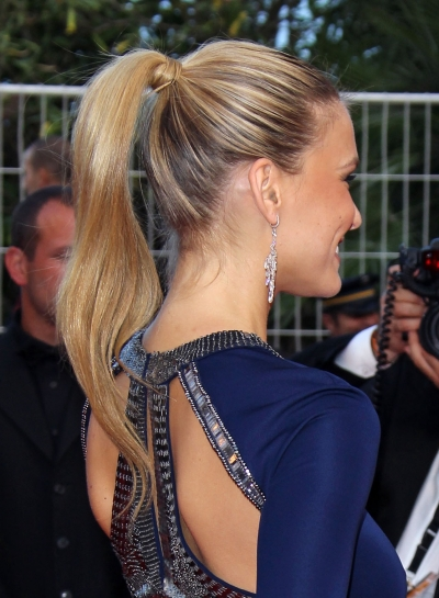 Bar-Refaeli-slicked-back-ponytail-2